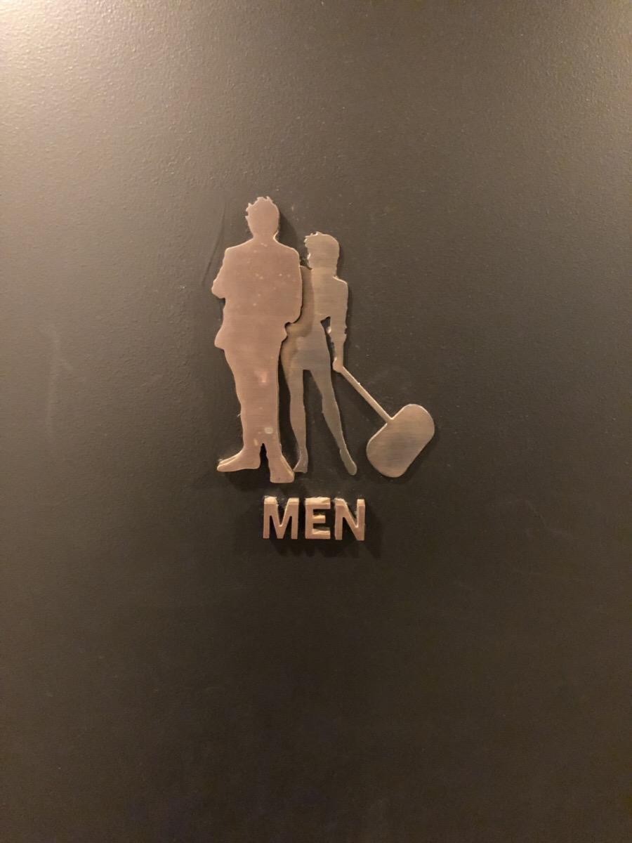 男トイレの表札